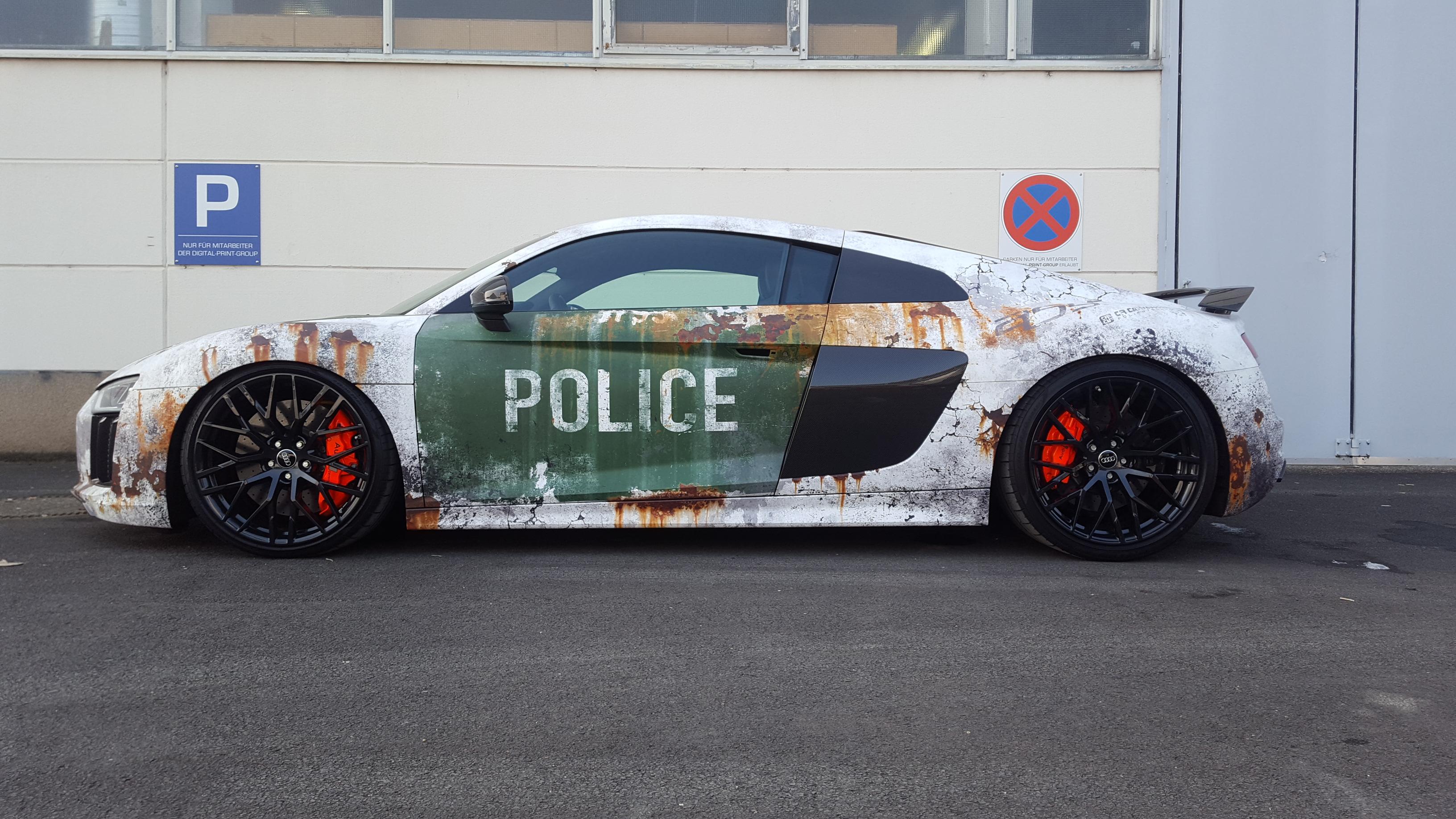 Audi R8 Digitaldruck Komplettfolierung Police Design