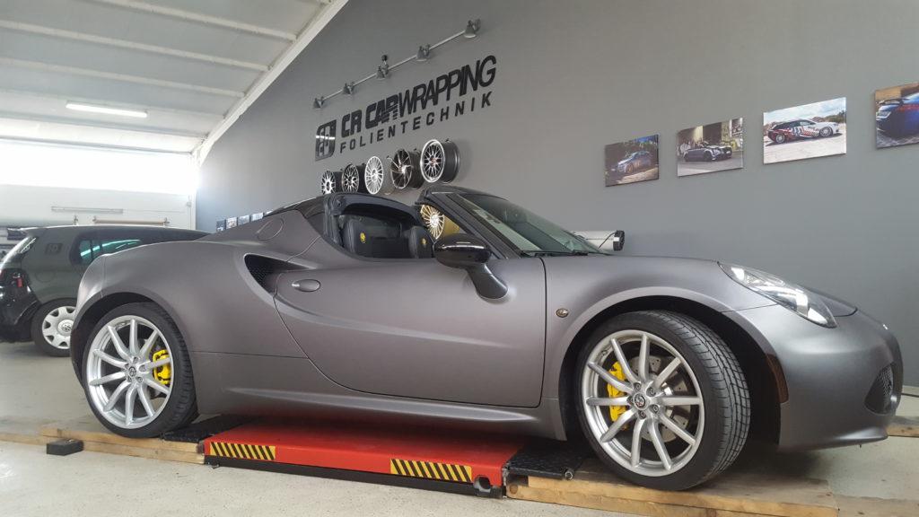 Alfa Romeo 4C Komplettfolierung in Charcoal matt metallic