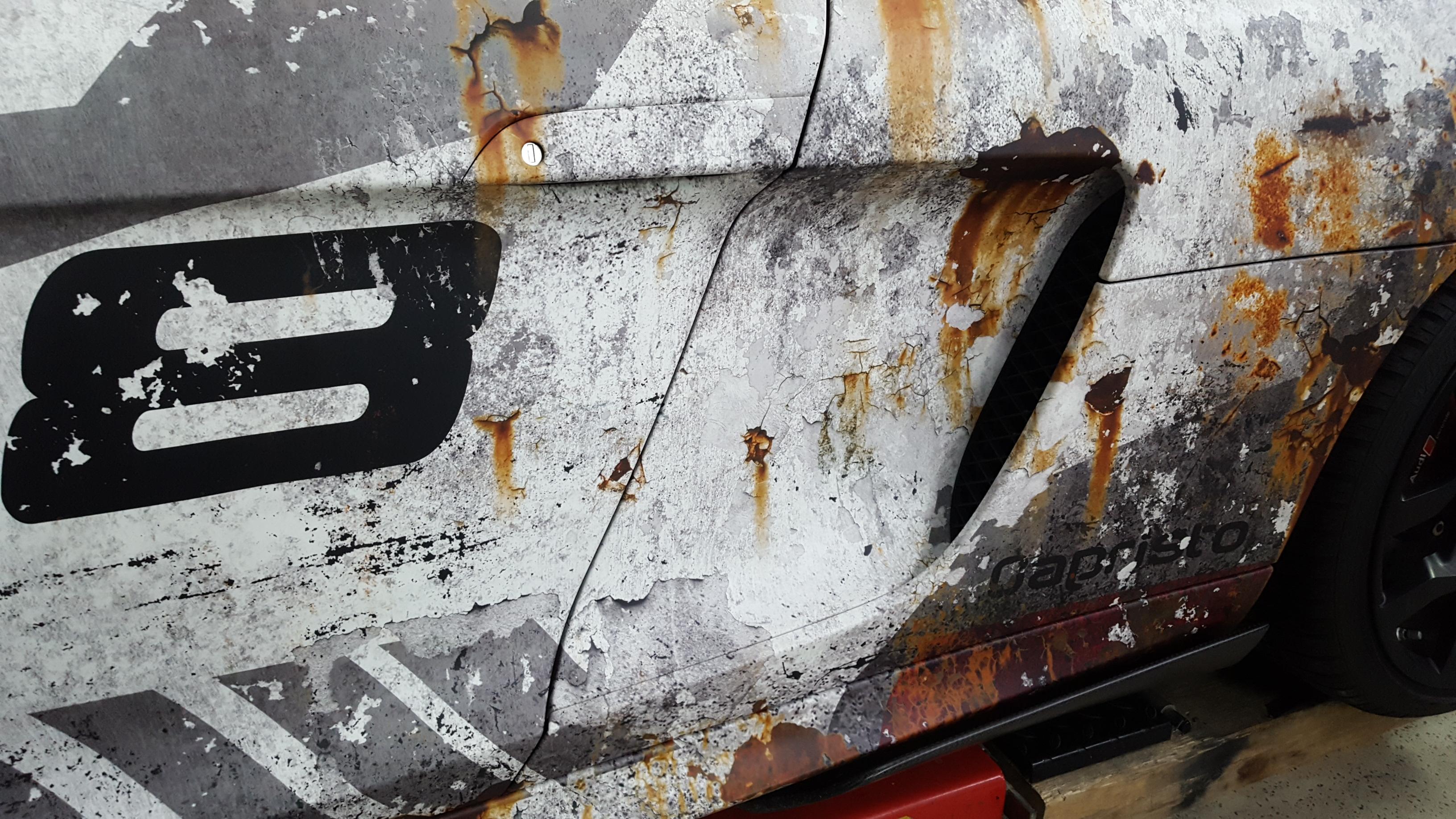 Audi R8 Spyder Digitaldruck Design Komplettfolierung im Rusty Quattro Design