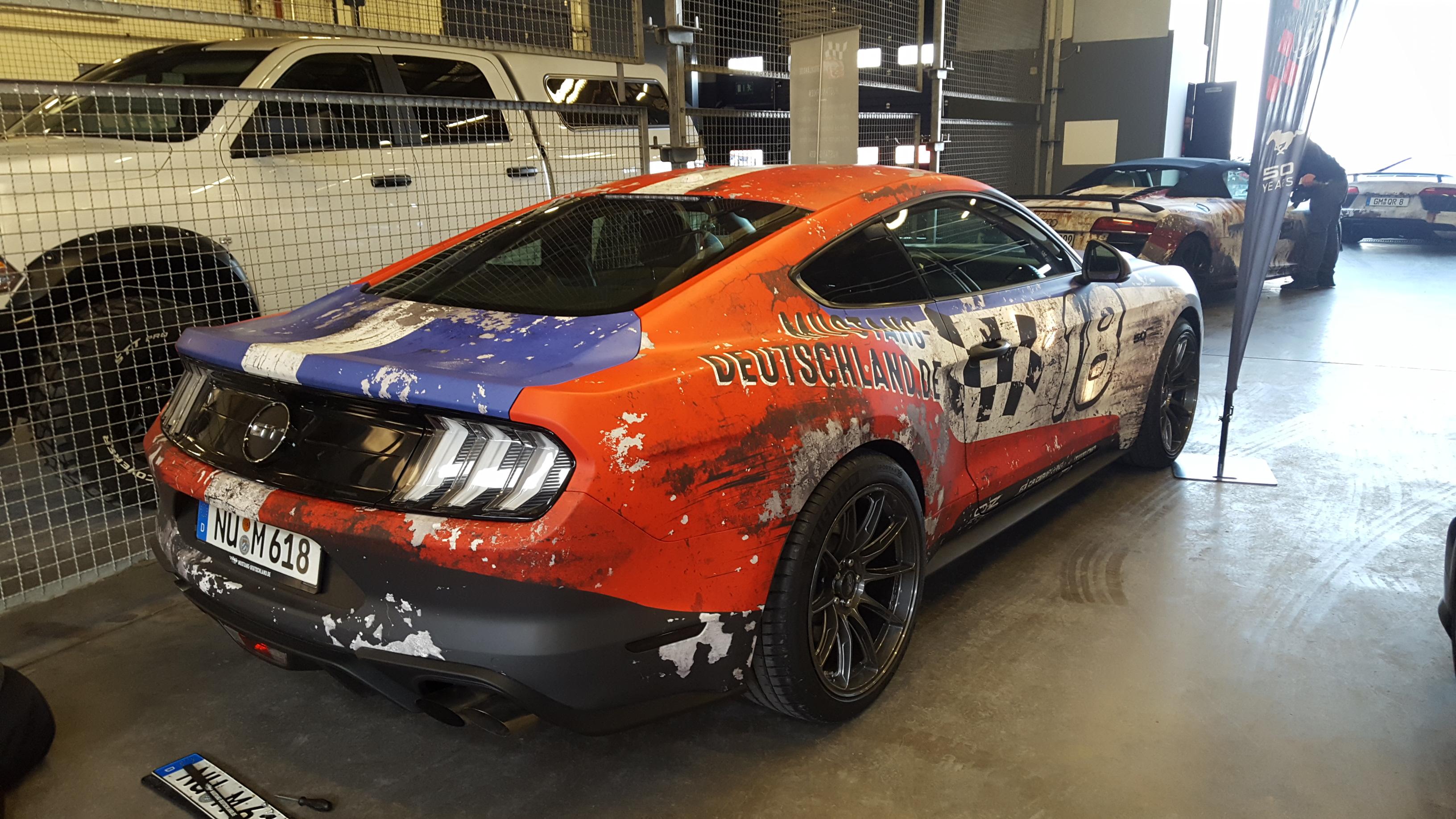 Ford Mustang GT Digitaldruck Komplettfolierung