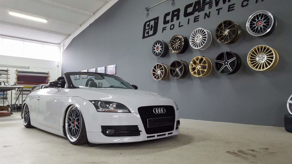 Audi TT 8J Komplettfolierung light grey glänzend