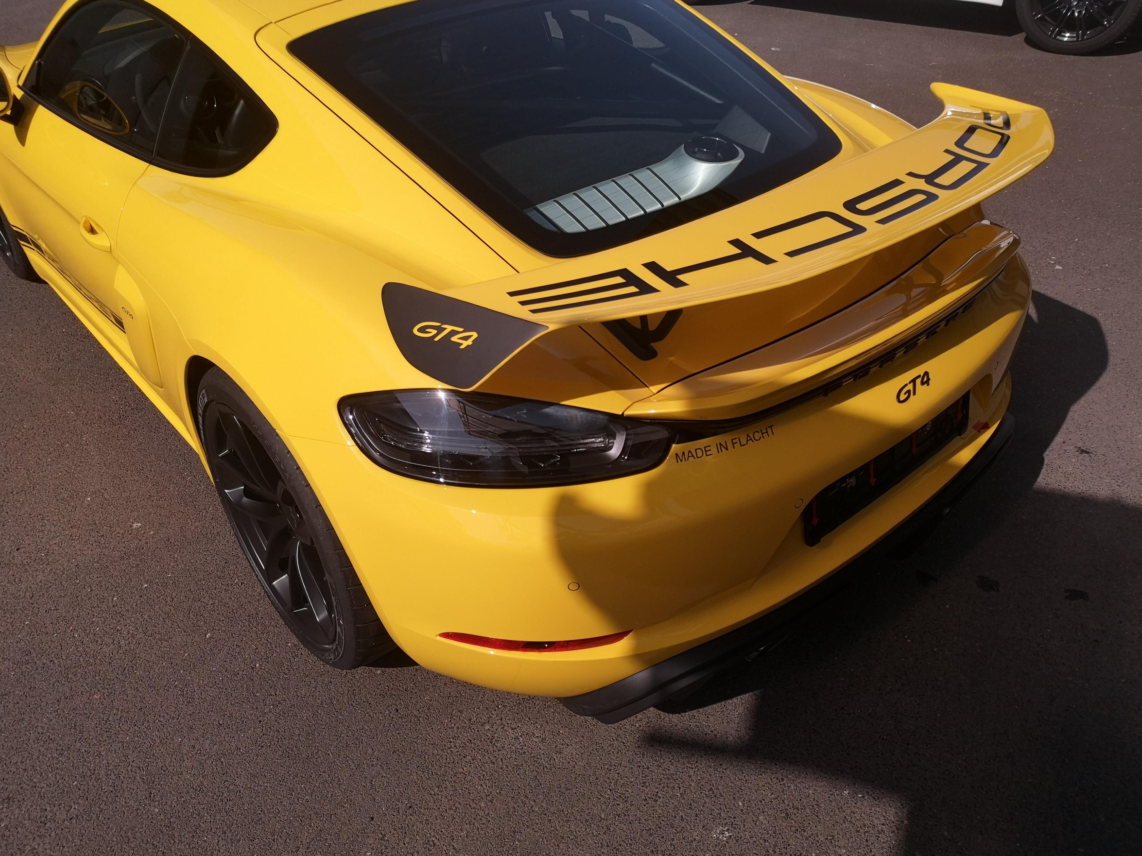 Porsche Cayman GT4 XPEL Lackschutz und Designstreifen